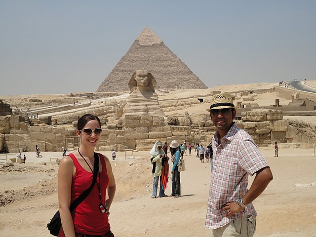Vishal and Tina in Giza with the Pyramids in the background
